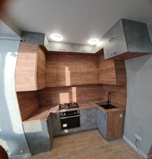 Двухярусная современная кухня