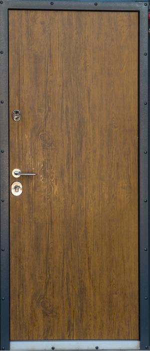 Входную дверь Сруб